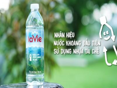 La Vie ra mắt sản phẩm nước khoáng dùng chai nhựa tái chế
